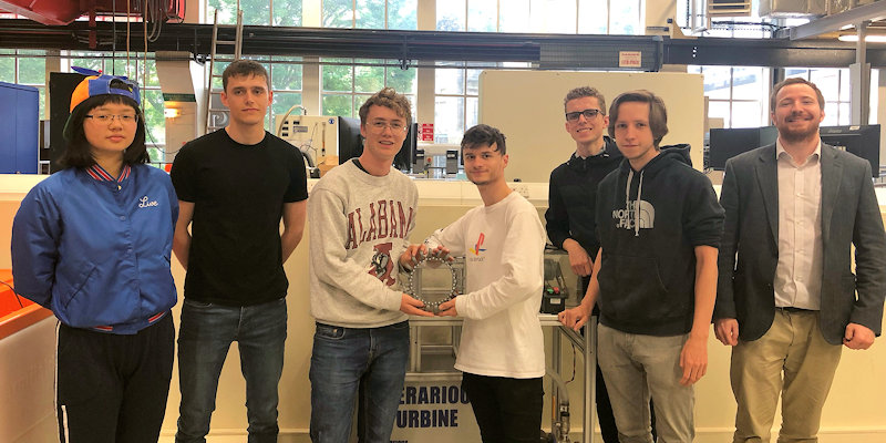 Mechanical Engineering students win cash prize for team project
