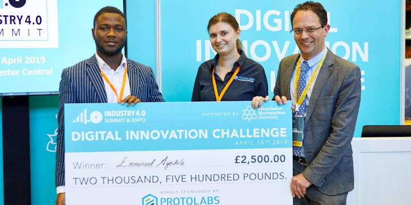 Postgraduate researcher wins award for IoT-powered wearable textile