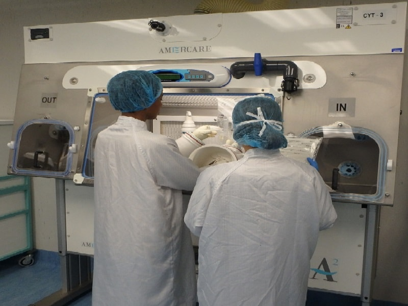 Supervising work in a cleanroom